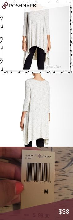 """Max Studio Marled Sharkbite Hi-Lo Hem Tunic size M Beautiful and flowing this hi-lo tunic is perfect for your fall wardrobe. Has a scooped neck, Marled sharkbite hi-lo hem. Approx 26"""" at the shortest part and 41"""" at the longest part.   ⚡️75% rayon 20% polyester 5% spandex  ❌trades ❌lowballs 👍offer button  🌟Bundle 2 or more items and save 10%🌟 Max Studio Tops Tunics"""