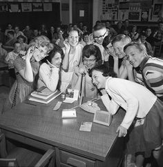 Balmoral Jr High students make long-distance telephone calls, Calgary, Alberta, May School Clubs, School Days, Vintage Photographs, Vintage Pictures, Old School House, Vintage School, Youth Culture, Before Us, Girl Day