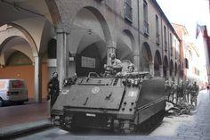 Via Zamboni Bologna 1977 | da Rosso d'uovo