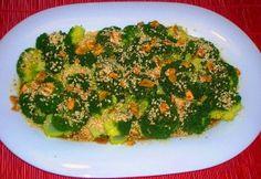Brócoli al vapor con salsa de soja y jengibre Autor: Annamaja Maguina Edición:RecetasJudias.com Ingredientes 600g de brócoli en ramilletes 2 cuchara