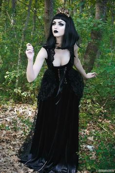 © Obsidian Kerttu Dress: Sinister Crown: Hysteria Machine Makeup: LASplash Cosmetics (dc obsidiankerttu for 25% off) Lenses: TTDeye Lashes: Dodolashes (dc obsidiankerttu)