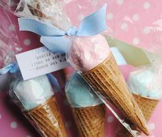 Cotton Candy Ice Cream Cones by xiaogege Kids Valentines Day Treats, Holiday Treats, Valentine Ideas, Party Treats, Party Favors, Cotton Candy Cone, Ice Cream Candy, Ice Cream Social, Candy Gifts