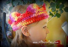 Free Crochet Pattern ~Basicically Beautiful Crown http://www.niftynnifer.com/2014/04/free-crochet-pattern-basicically.html #Crochet #Crown #Crochetprincess