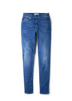 Slim-fit High waist Dark wash Five pockets Loops Zip and one button fastening Jeans Boyfriend, Mom Jeans, Jeans Slim, Skinny Jeans, London Jeans, Brand Store, High Waist Jeans, New Look, Mango