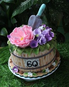 Cake for my mother from Las Tartas de Krasi, Andrea Patrick Spring cake 1 Source by Grandma Birthday Cakes, Garden Birthday Cake, 90th Birthday Cakes, Birthday Cakes For Women, 75th Birthday, Diy Birthday, Bolo Floral, Floral Cake, Fondant Cakes