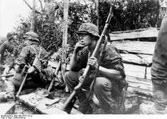 Were the Waffen SS soldiers war criminals or great warriors fighting for their country, just obeying orders? German Soldiers Ww2, German Army, Germany Ww2, German Uniforms, The Third Reich, Korean War, Panzer, American Revolution, Luftwaffe