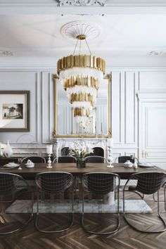 Get inspired by these dining room decor ideas! From dining room furniture ideas, dining room lighting inspirations and the best dining room decor inspirations, you'll find everything here! Classic Dining Room, Luxury Dining Room, Dining Room Lighting, Dining Room Design, Dining Rooms, Kitchen Design, Modern French Interiors, French Interior Design, Decor Interior Design