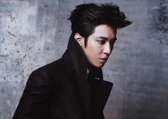 "Jung Yonghwa from CNBLUE band is considering to appear on KBS 2TV's upcoming Monday - Tuesday Drama ""Future's Choice""."