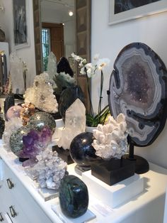 Paradise In The Heart Of London Acirc Uml Crystals Interiors Your Crystal Magic, Crystal Grid, Crystal Healing, Crystals And Gemstones, Stones And Crystals, Crystal Shelves, Crystal Aesthetic, Stone Interior, Rocks And Minerals
