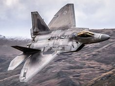 Military and Commercial Technology: 20 Years of the Mighty Raptor Stealth Fighter Military Jets, Military Aircraft, Air Fighter, Fighter Jets, F22 Raptor, Engin, Jet Plane, Fighter Aircraft, Aircraft Design