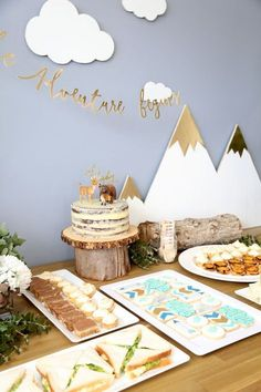 Gender Neutral Baby Shower Themes You Won't Want To Pass Up - Southern Dakot. Gender Neutral Baby Shower Themes You Won't Want To Pass Up – Southern Dakota Mama Boho Baby Shower, Baby Shower Songs, Baby Shower Themes Neutral, Fiesta Baby Shower, Shower Bebe, Baby Shower Cakes, Baby Boy Shower, Unisex Baby Shower, Diaper Shower