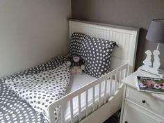 """Heerlijk slapen in een """"groot bed"""" zonder dat je er uit valt kan bij Logeer & Sfeer. Ideaal zo'n bedhekje!"""