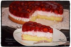 Strawberry mascarpone cake with icing . - Strawberry mascarpone cake with icing Sweet Desserts, Dessert Recipes, Delicious Desserts, Mascarpone Cake, Apple Cookies, Czech Recipes, Chocolate Caramels, Chocolate Chips, Hungarian Recipes