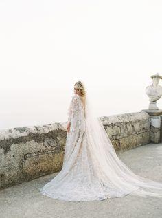 Photography: http://simplysarah.me | Wedding dress: http://www.marchesa.com/ | Read More: https://www.stylemepretty.com/vault/image/6683266