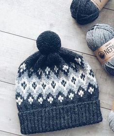 Fallen Cloud Knitting pattern by Lisa Hannes Fair Isle Knitting Patterns, Knit Patterns, Diy Crochet, Crochet Crafts, Knitting Projects, Crochet Projects, Knitting Accessories, Loom Knitting, Knitted Hats