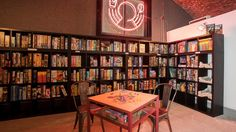 boardgame cafe(© Rob Greig)