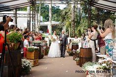 ♥ Caroline Iseppi | Tulle - Acessórios para noivas e festa. Arranjos, Casquetes…
