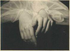 Emilio Sommariva | Mains d'Anna Penagini | 1935