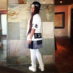Blac Chyna Last Kings SnapBack LK Bandana Extended Tee Swag Dope Fashion Trend Style Dope Fashion, White Fashion, Urban Fashion, Fashion Outfits, Street Fashion, Street Outfit, Street Wear, Black Chyna, King Outfit