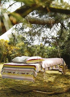 15 Floating Beds