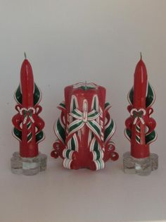 The festive red and green combination in this hand-carve candle set will remind you of the old-fashioned ribbon candy from your childhood! Christmas Candles, Green Christmas, Ribbon Candy, Bow Pattern, Red Candles, Candle Centerpieces, Christmas Settings, Candle Set, Candy Cane