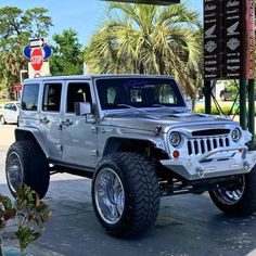 Jeep Cars, Jeep 4x4, Jeep Truck, Cheap Jeeps, Cool Jeeps, Corvette Summer, Blue Jeep, Jeep Brand, Badass Jeep