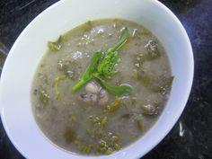Sopa de feijão frade com grelos http://grafe-e-faca.com/pt/receitas/sopas-acordas/sopa-receitas/sopa-de-feijao-frade-com-grelos/