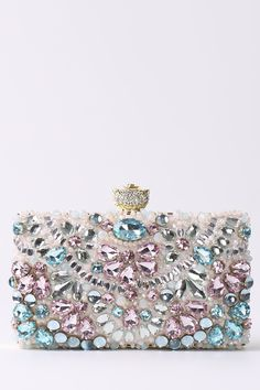 Shop radish pink beaded rhinestone chains evening bag here, find your clutches at dezzal, huge selection and best quality. Black Leather Bags, Leather Clutch Bags, Black Handbags, Purses And Handbags, Beautiful Bags, Evening Bags, Queen, Fashion Bags, Beading Patterns