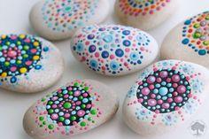 DIY Pintar Mandalas en piedras para niños