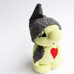 Skříteček pro štěstí XL č.1375 Crochet Hats, Pillows, Knitting Hats, Throw Pillow, Cushions, Cushion, Scatter Cushions