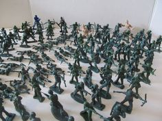 Plastic Green Army Men - Set of 130! by CellarDeals on Etsy