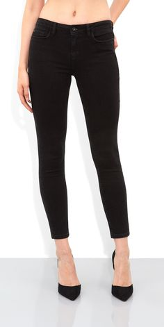 Quartz Ankle Grazer Jeans  - Gamine? Moi?!  This cropped monochrome pair would be perfect teamed with crisp white linen, and bright wedges for a look just the right side of tomboy.