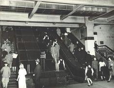 Wynyard Railway Station,Sydney in 1948.