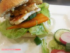 fischi`s cooking and more....: halloumi - burger
