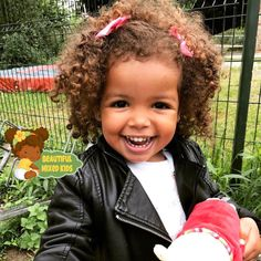 Too cute! Beautiful Black Babies, Beautiful Children, Beautiful Eyes, Cute Kids, Cute Babies, Baby Kids, Little People, Little Ones, Baby Pictures