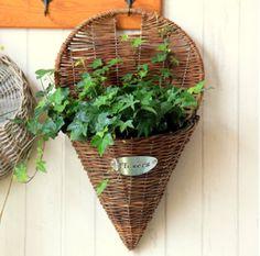 so cuuuuuute #Garden #Home living#Outdoor gardening#Planter pots#Garden art#Gardening ideal#handwoven