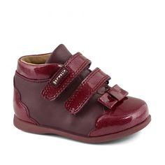 Ghete bebelusi #Garvalin   incaltaminte bebelusi   incaltaminte de toamna pentru bebelusi   incaltaminte confortabila pentru fetite de la 0-2 ani Baby Shoes, Sandals, Sneakers, Fashion, Slide Sandals, Tennis, Moda, Shoes Sandals, Fashion Styles