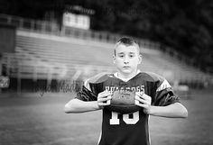 Youth football photo Little League Football, Football Cheer, Flag Football, Youth Football, Football Season, Football Team Pictures, Football Poses, Team Photos, Senior Pictures Boys