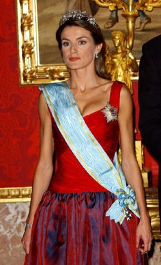 Princess Letizia of Spain attends Royal Gala Dinner honouring Letonia's President Vaira Vike-Freiberga - 2004