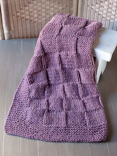 Una manta cuadriculada para bebé por @lanukas