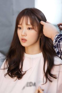 Lee Sung Kyung / South Korean Actor / So beautiful Lee Sung Kyung Doctors, Nam Joo Hyuk Lee Sung Kyung, Lee Sung Kyung Hair, Lee Sung Kyung Fashion, Korean Actresses, Korean Actors, Lee Sung Kyung Wallpaper, Weightlifting Fairy Kim Bok Joo Wallpapers, Korean Celebrities