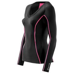Skins: the A200 black/pink compression long sleeve top. From the moment I pulled this on to when I whipped them off at night, I was impressed. he seam design means there was no chaffing despite vigorous movements.