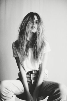 Joanna Halpin by Kayla Varley Mehr shaggy messy hairstyle