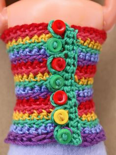 Free Crochet Pattern - Rainbow Strapless Top for 11.5