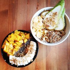 Breakie for two this morning. I had vanilla oatmeal with mango chiaseeds banana and candied hempseeds. My #veganboy had amaranth muesli with pear quinoa flakes and candied hempseeds. so delicious! #govegan #vegan #bestofvegan #wir2punkt0 #whatveganseat #whatveganscook #augsburgvegan #absaremadeinthekitchen #plantbased #picoftheday #hclf #healthy #highcarblowfat #Food #fruit #fitfam #foodporn #instafood #instagood #instavegan #veganfood #vegangirl #veganwerdenwaslosdigga #veganfoodporn…