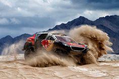 Lange Wochen musste Stephane Peterhansel auf die endgültige Entscheidung der FIA warten. Nun kann sich der Franzose auch offiziell als Sieger der diesjährigen Dakar feiern lassen.