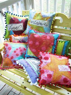 Jennifer Jangles Blog: Painted Pillows
