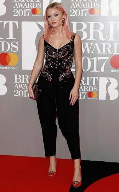 Zara Larsson in Dolce & Gabbana at Brit Awards 2017, Зара Ларссон в Dolce & Gabbana Brit Awards 2017