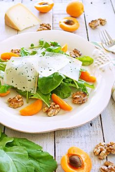Arugula, Apricot and Walnut Salad with Apricot-Pinot Noir Vinaigrette / Patty's Food