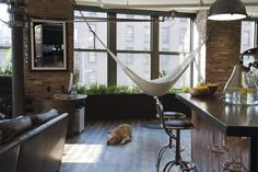 22 Ways to relax at home: Indoor hammock bed - Little Piece Of Me Indoor Hammock Bed, Room Hammock, Ideias Diy, Organic Living, Interior Exterior, Beautiful Space, Interior Design Living Room, Design Interiors, My Dream Home